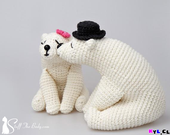 Fuente: http://stuffthebody.com/wedding-amigurumi-pattern-kissing-bears/